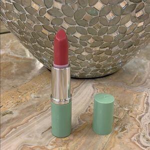 NWOT Clinique Matte Beauty lipstick